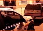 Bandidos armados atiram em veículo e assaltam ônibus no bairro Pedreira