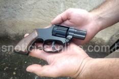 PM prende suspeito de roubo tentado com simulacro de revolver no bairro São Cristóvão