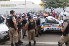 Dois adolescentes armados foram apreendidos no momento em que saiam de um assalto no bairro São Pedro