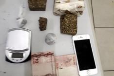 PM realiza operação de combate ao trafico e prende jovem com drogas no bairro Fênix