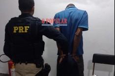 PRF recupera veículo roubado e prende um dos autores do roubo em João Monlevade