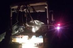 Nova Era: ônibus bate em carreta parada e deixa vários feridos
