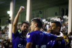 Atletas repercutem goleada que colocou o Cruzeiro próximo da classificação