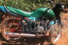 Motociclista fratura perna ao colidir moto, contra Jerico na zona rural de Ferros