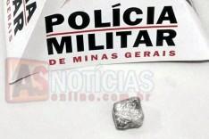 ROCCA prende suspeito com tablete de maconha no bairro Madre Maria de Jesus em Itabira