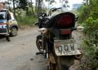 PM localiza motocicleta roubada no Distrito do Carmo na estrada de terra de acesso a rampa de voo livre no bairro Pedreira
