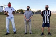 Ronaldo Magalhães entrega campo de futebol aos moradores do Nova Vista