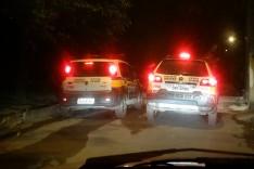 PM apreende dois adolescentes minutos depois de assalto e recupera celular no bairro Ribeira