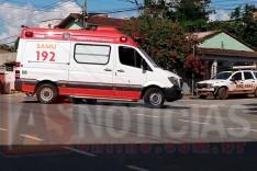 Acidente: Motoqueiro é socorrido ao pronto-socorro depois de colisão contra um veiculo no bairro Amazonas