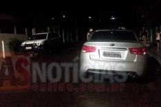 Homem bate carro contra poste abandona o veiculo e foge no bairro São Bento em Itabira