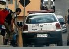 Dois adolescentes foram assaltado por bandidos armados com canivete na Vila São Geraldo