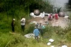 Cinco pessoas morreram afogadas em um capotamento as margens da BR-381 em Nova Era