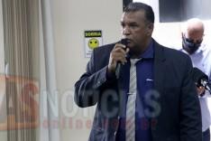 Policia Civil entrega intimação para o Vereador Reginaldo do Carmo na Câmara de Itabira
