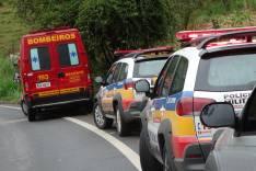 Uma Sargento da Policia Militar ficou ferida depois que caiu com seu carro em uma ribanceira em Capoeirana