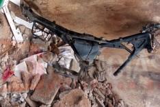 PM recebe denuncia e localiza chassi de motocicleta abandonado dentro de caçamba no Clóvis Alvim I