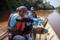 Ribeirinhas ao longo do rio Paraopeba já receberam mais de 800 milhões de litros de água potável