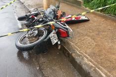 Moto-taxista é socorrido em estado grave pelo SAMU depois de colidir contra poste na Vila São Geraldo