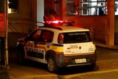 Depois de cair com moto no Distrito de Senhora do Carmo casal é socorrido no pronto socorro