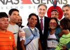 Fernando Pimentel visita novas instalações de escola em Teófilo Otoni