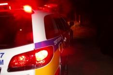 Bandidos armados assaltam residencia na localidade da Rocinha próximo ao bairro Pedreira