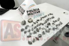 Policiais Militares apreendem buchas de maconha e pinos de cocaína no bairro São Bento em Itabira