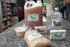 Poder público promove oficina para produção de sabão em instituição local