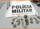 Policia Militar apreende drogas com menores na Vila Marília em Santa Maria de Itabira