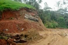 Estradas rurais de São Gonçalo recebem manutenção