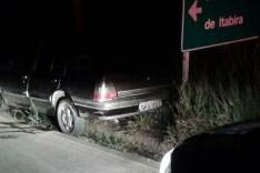 Policiais Rodoviários em patrulhamento localizam e recuperam Monza furtado em João Monlevade na rodovia LMG-779