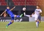 Cruzeiro comete falhas defensivas