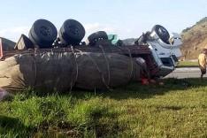 Saquear carga de caminhões tombados durante acidente de transito é crime