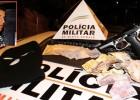 PM AGE RÁPIDO E PRENDE MAIOR E APREENDE MENOR ARMADOS COM SIMULACRO QUE ASSALTARAM DOIS COMERCIOS EM ITABIRA