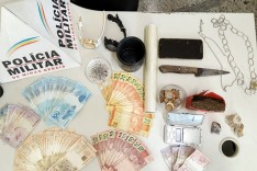 PM prende e apreende motos e drogas no bairro Resende em Barão de Cocais