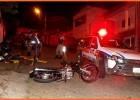 Jovem fica ferido após colidir motocicleta contra viatura da Policia Militar no bairro Jardim das Oliveiras
