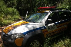 FRUSTRAÇÃO: Bandidos tentam roubar carga de cigarro e abandona Van nos Bambas