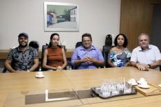 Moradores do bairro Colina da Praia questionam andamento das obras de pavimentação da Rua 30