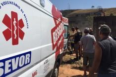 Laje desaba em cima de dois trabalhadores; um teve ferimentos graves