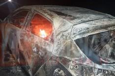 Veiculo incendeia na rodovia MG-129 e proprietário não é encontrado no local em Itabira
