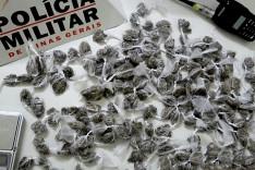 Quatro adolescentes apreendidos e grande quantidade de drogas localizadas pela PM