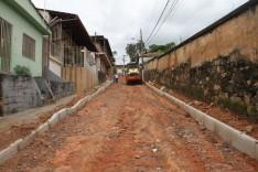 Rua Duque de Caxias ganhará calçamento, passeio em pedra portuguesa e extensão da rede de água