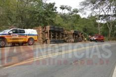 Caminhoneiro morre preso debaixo de ferragens de Scânia na rodovia MGC-120 em Ferros
