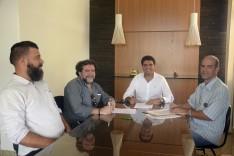 Prefeito Antônio Carlos assina contrato para construção de avenida em São Gonçalo