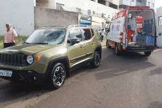 Criança e uma mulher ficaram gravemente feridas depois de colidir motocicleta contra Jeep na Esplanada