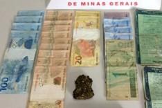 PM de Barão de Cocais apreende drogas e carros e prende um jovem por trafico de drogas