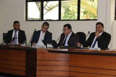 Plenário aprova reajuste de servidores e adia votação de empréstimo