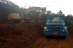 Policia de Meio Ambiente impede exploração ilegal de minério em baixadão  em Catas Altas