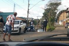 Bandidos armados em motocicleta roubam cerca de 25 mil reais de funcionários de frigorifico em Itabira