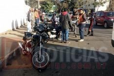 SAMU socorre moto-taxista depois de atropelar pedestre que atravessava Avenida na Vila Santa Isabel