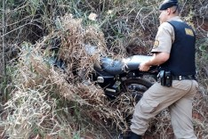 Motocicleta de entregador de lanche roubada no centro é localizada escondida no Balsamos