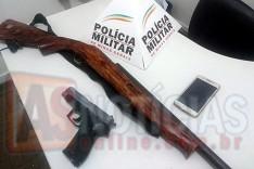 Homem é preso com espingarda e replica de arma depois de ameaçar ex-esposa em Carmésia